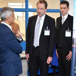 adiq Khan (Mayor of London), Dr Ulrich Orth, Dr Rob Krewinkel (both MAN Diesel & Turbo), Dr Feist (SCS)